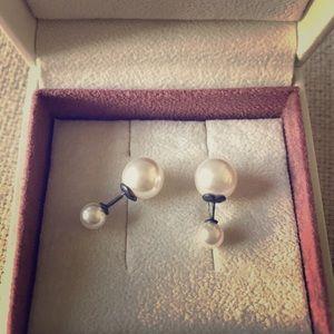 Pandora pearl earring